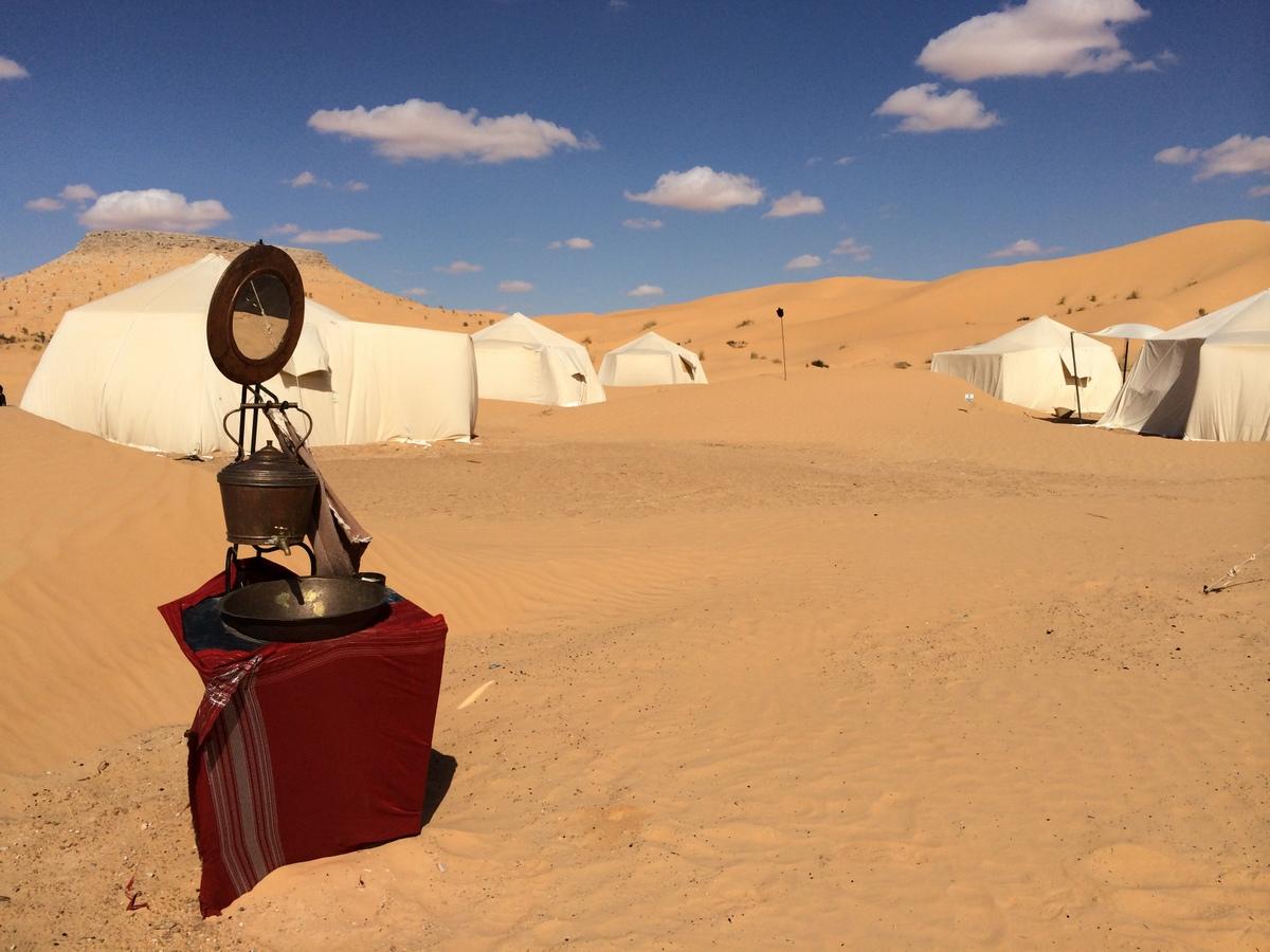 砂漠のキャンプサイト、ティンバイン