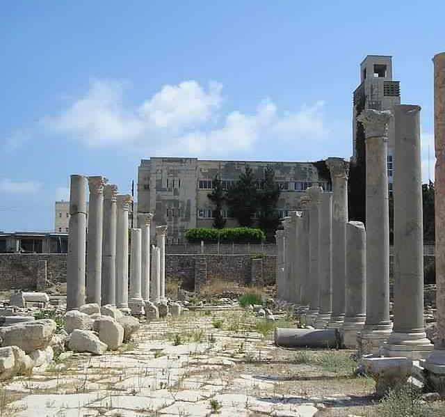 レバノンに残る元テュロスに建てられたローマ遺跡