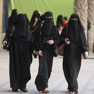 turnout-for-saudi-women-voters-is-extremely-low-1441036353